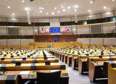 Europäisches Parlament verabschiedet Resolution zu ME/CFS